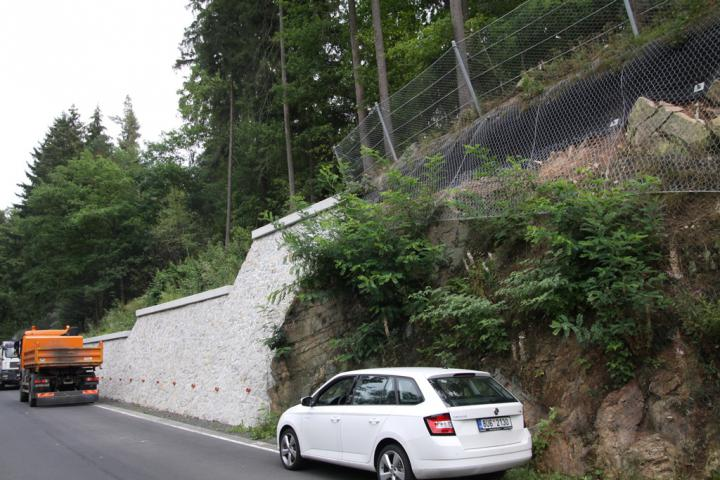 II/222 Securing rock massifs along the route Karlovy Vary - Kyselka